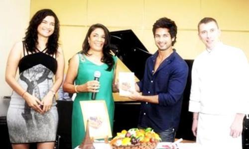 Shahid Kapoor,Sushma and Rashmi Launches The Book  Vegetarian