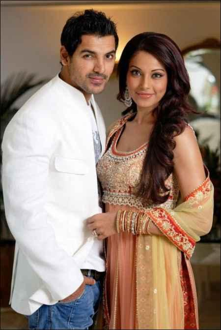 John Abraham and Bipasha Poses To Photo Shoot