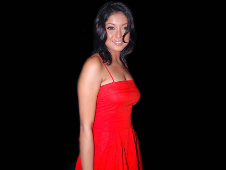 Tanushree Dutta Red Dress Wallpaper