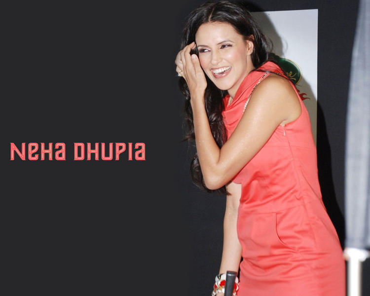 Neha Dhupia Smiling Face Wallpaper With Pink Dress