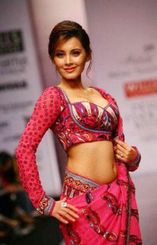 Minissha Lamba Looking Very Beautiful
