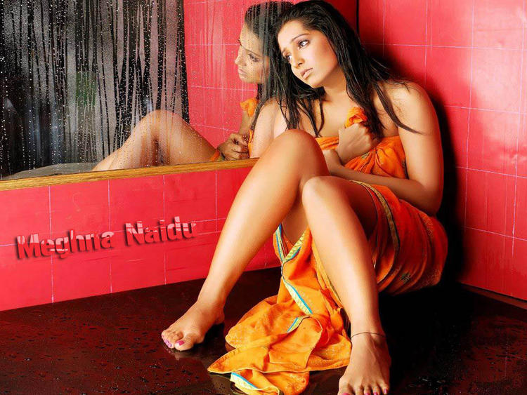 Sexy Baby Meghna Naidu Wallpaper