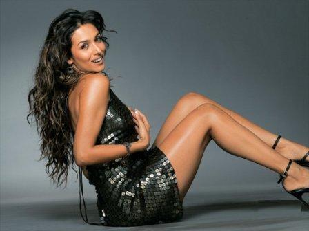 Malaika Arora Khan Glossy Legs Pic