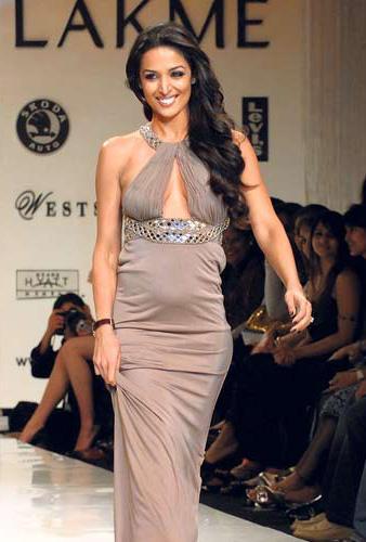 Malaika Arora Khan Sexy Dress Walk Still