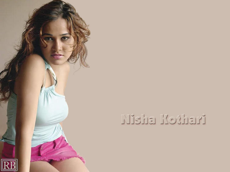 Sizzling Beauty Nisha Kothari Wallpaper