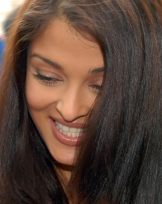 Aishwarya Rai Beauty Smile Pic