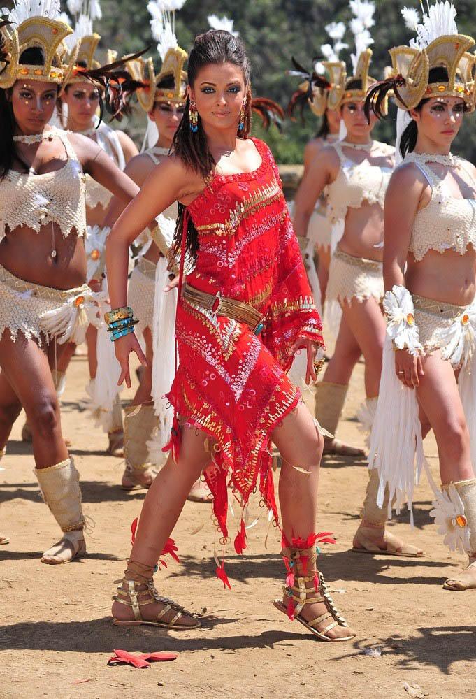 Aishwarya Rai Dance Still In Red Dress