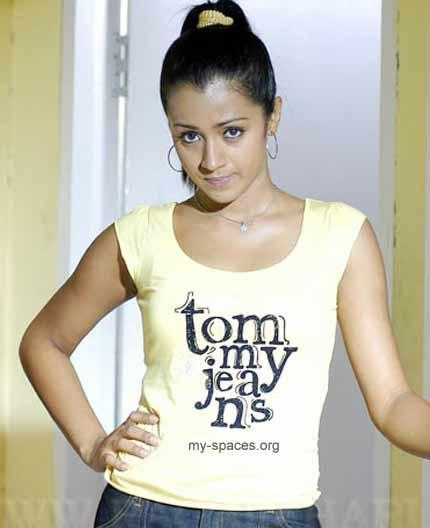 Trisha Krishnan Cute Face Sexy Photo