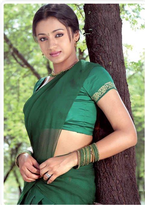 Trisha Krishnan Nice Still In Green Saree