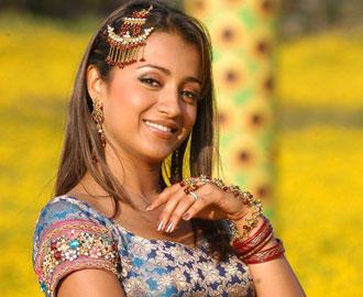 Trisha Krishnan Sweet Face Glamour Still