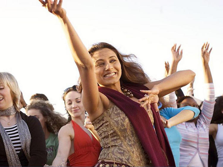 Rani Mukherjee Dancing Pose Photo
