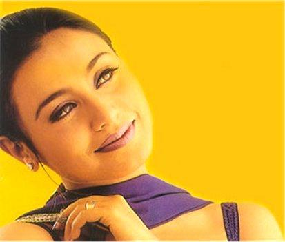 Rani Mukherjee Sexy Eyes Look Wallpaper