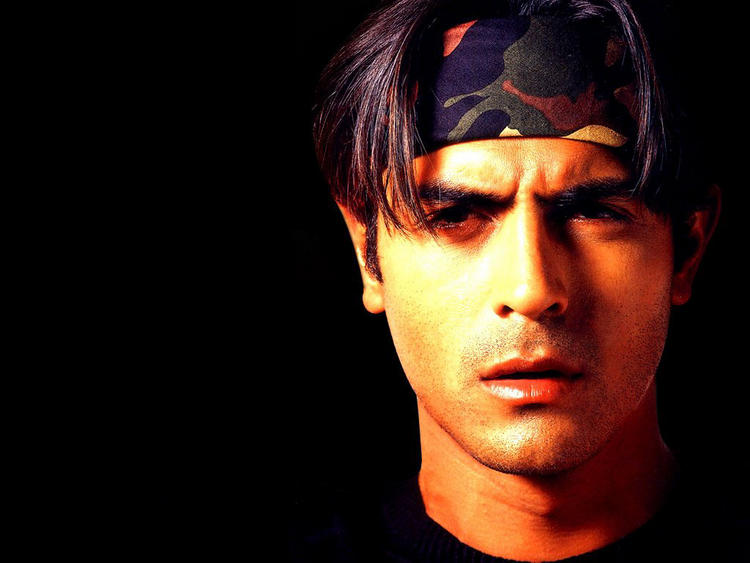 Arjun Rampal Dazzling And Glamour Look Wallpaper