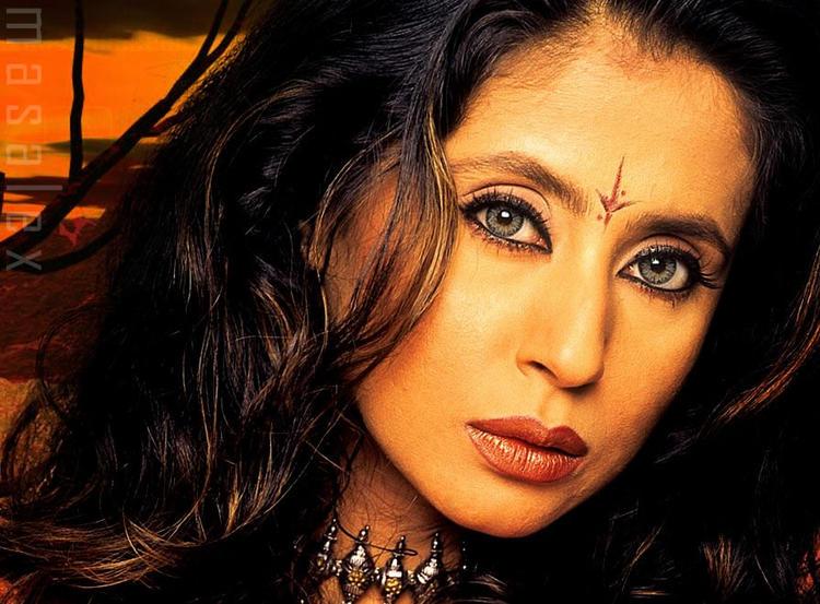 Urmila Matondkar Hot And Sexy Eyes Look Wallpaper