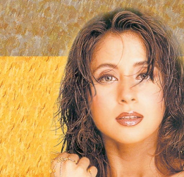 Urmila Matondkar Sizzling Face Look Wallpaper