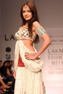 Shazahn Padamsee Sexy Dress Pic at Lakme Fashion Week