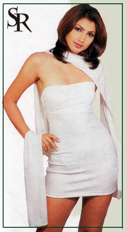 Yukta Mookhey Sexy Sleeveless Dress Wallpaper