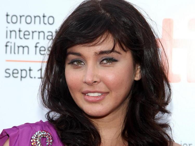 Lisa Ray Cute Nice Face Still