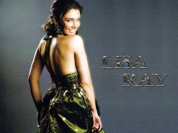 Lisa Ray Sexy Back Bare Wallpaper
