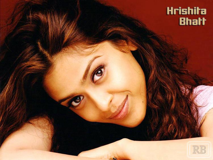 Hrishita Bhatt Cute and Sweet Face Wallpaper