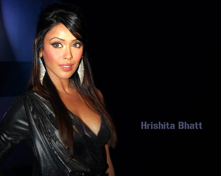 Hrishita Bhatt Glamour Face Look Wallpaper