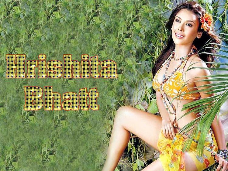 Hrishita Bhatt Sexy Dress Stunning Wallpaper