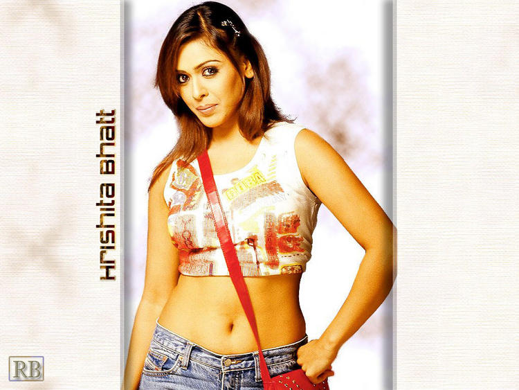 Hrishita Bhatt Sexy Navel Pose Gorgeous Wallpaper