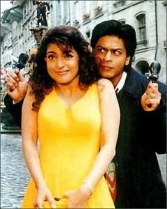 Juhi Chawla and SRK In Yes Boss