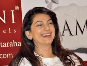 Juhi Chawla With Open Smile Pic