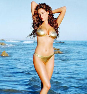 Kelly Brook Wet Bikini Stunning Photo Shoot On The Beach