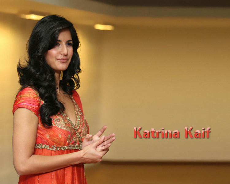 Katrina Kaif Cute Close Up Pic Wallpaper