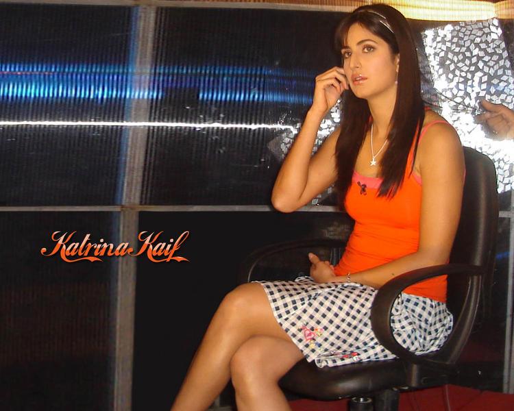 Katrina Kaif Cute Dress Nice Look Wallpaper