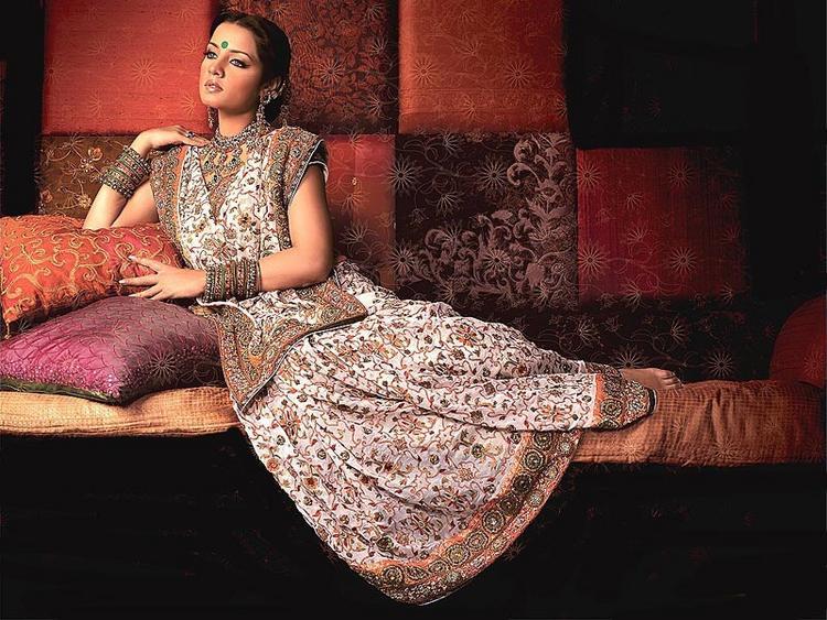Indian Beauty Celina Jaitley Wallpaper