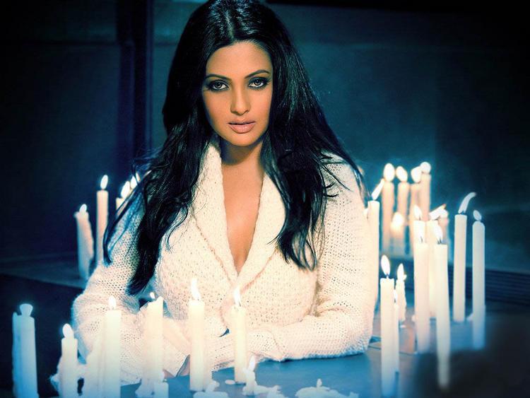 Riya Sen Hot Look Within Candle
