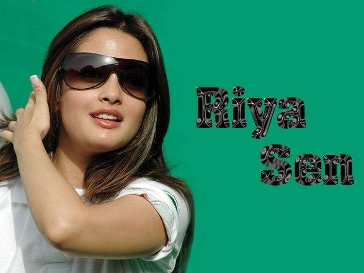 Riya Sen Stylist Wallpaper Wearing Goggles