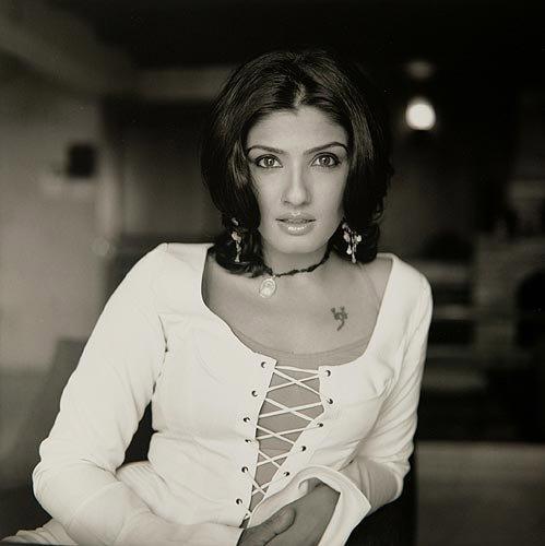 Raveena Tandon Bold and Sexy Wallpaper
