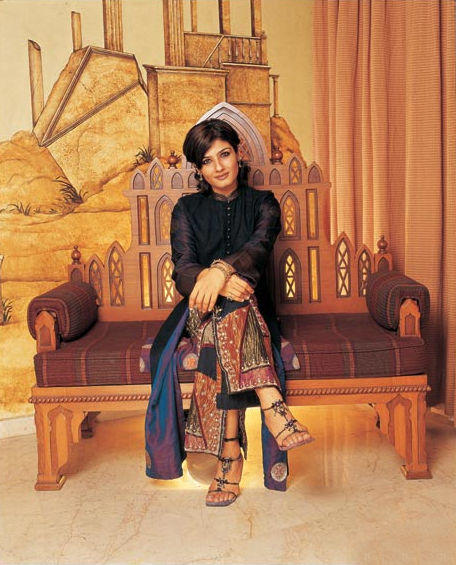 Raveena Tandon Hot Pose For Photo Shoot