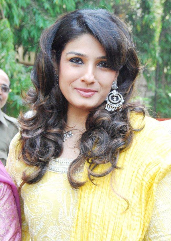 Raveena Tandon Sweet Smile Stunning Pic