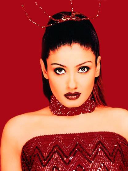 Raveena Tandon Wet Face Look Wallpaper