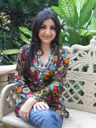 Soha Ali Khan Cool Looking Photo Shoot