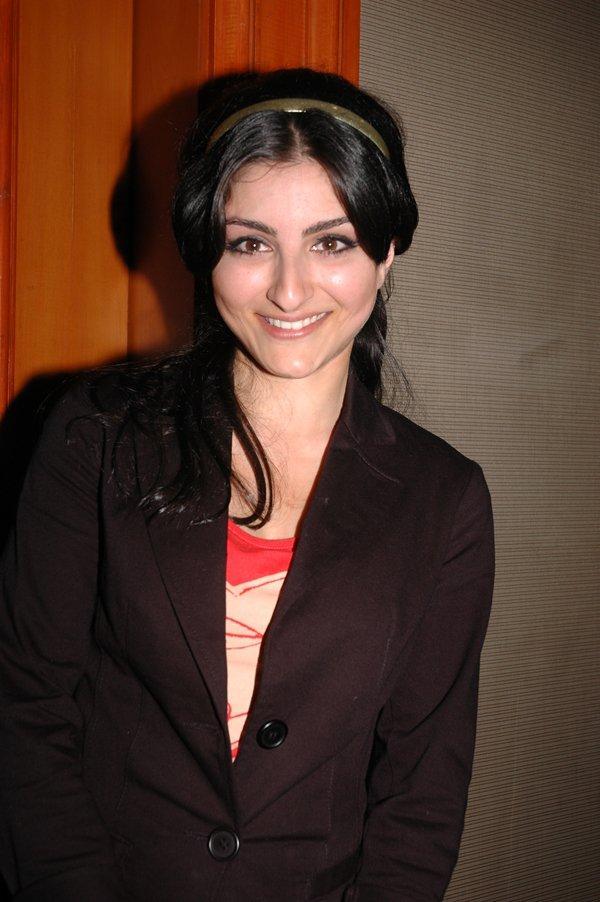 Soha Ali Khan Latest Sweet Still With Blazer