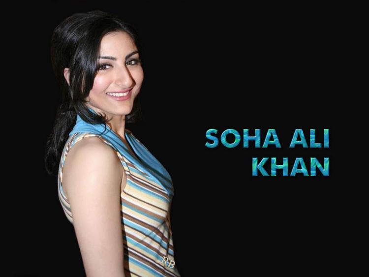 Soha Ali Khan Sweet Smiling Face Wallpaper