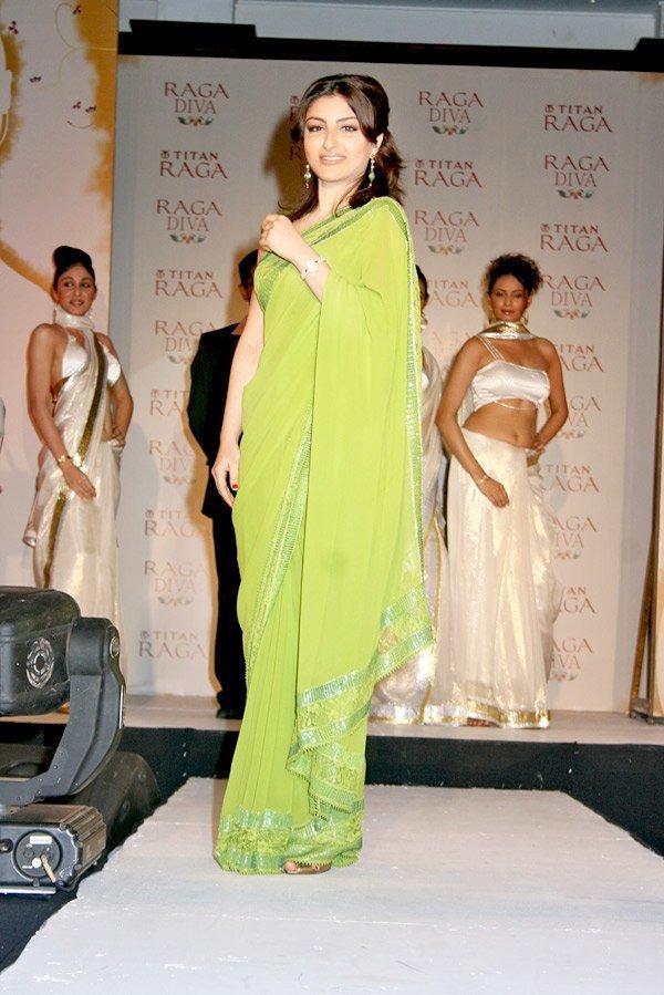 Soha Ali Khan Walk In Saree