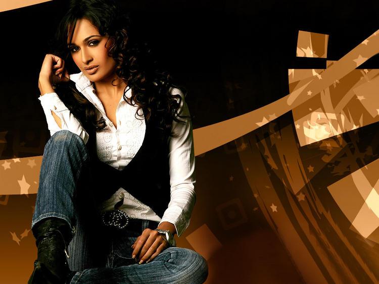 Yuvika Chaudhary Hot Stylist Photo Shoot