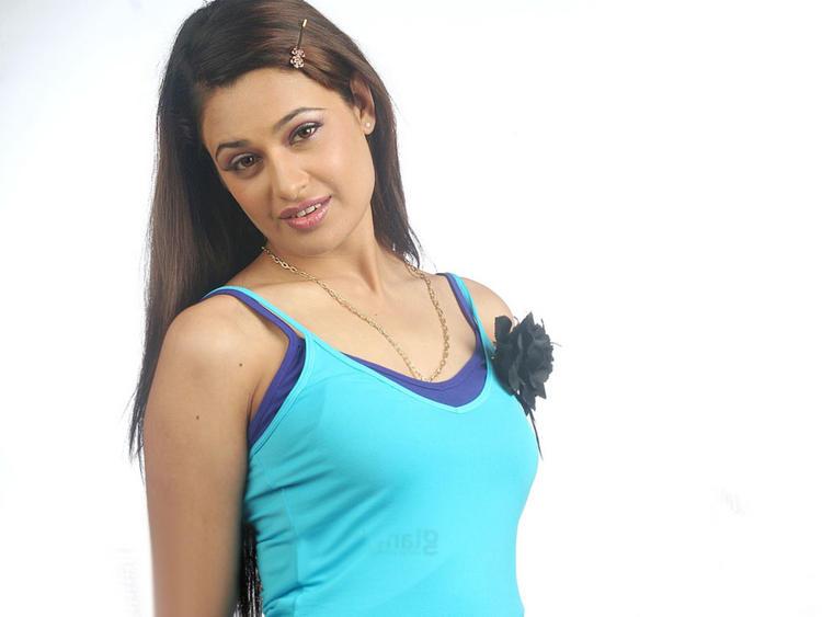 Yuvika Chaudhary Sexy Still