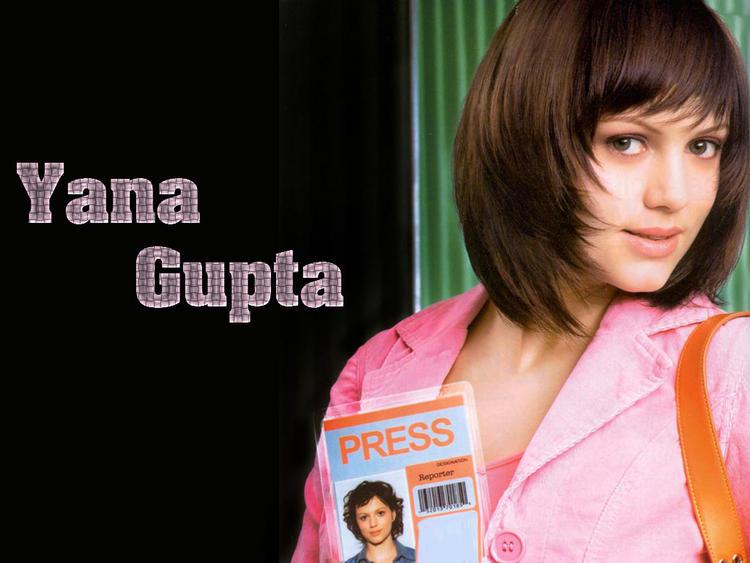 Yana Gupta Nice Hair Style Wallpaper