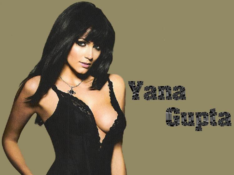 Yana Gupta Side Boob Show Wallpaper