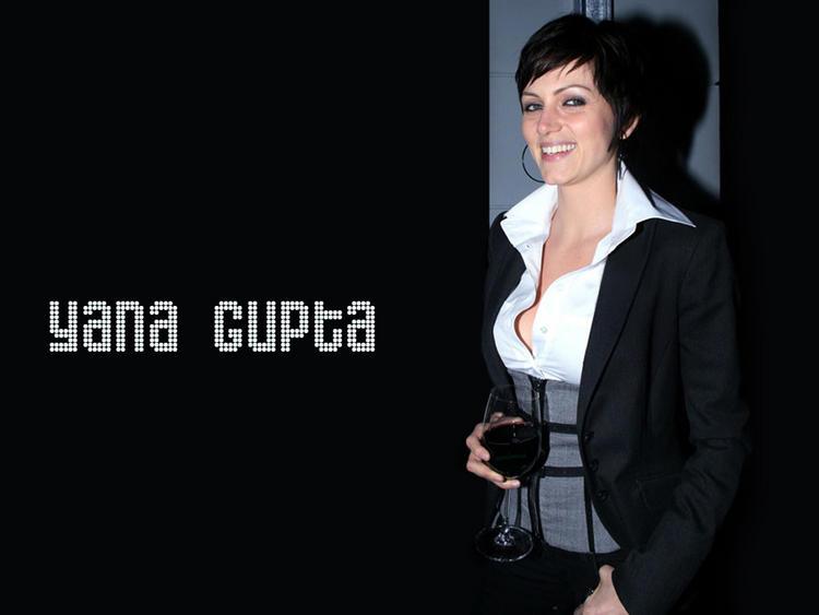 Yana Gupta Wallpaper In Black Blazer