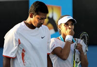 Sania Mirza and Bhupathi Moves Into Australian Open Finals Pic