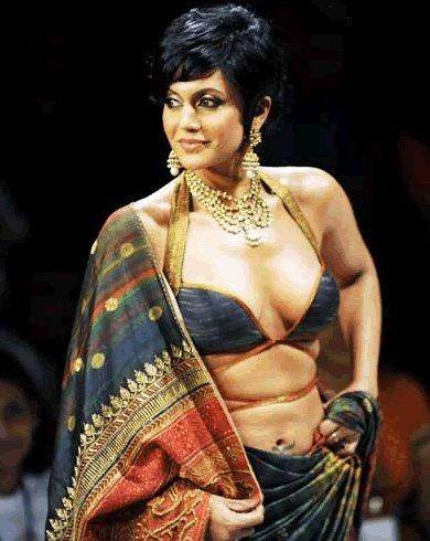 Mandira Bedi Looking Sexy In Satya Paul Ramp Show
